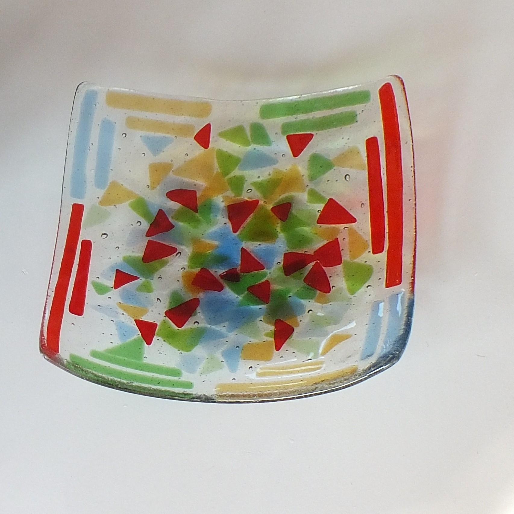 Glasfusie, schaal van versmolten glas