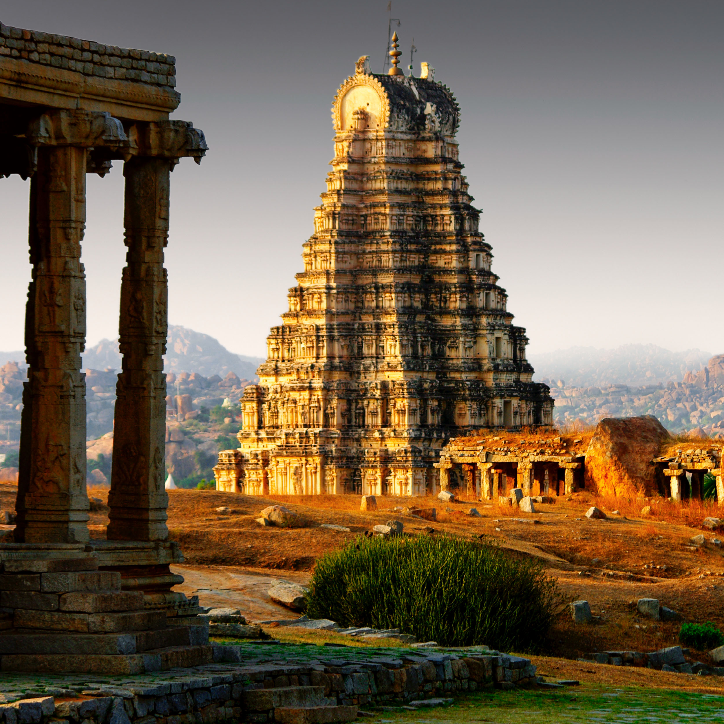 Hindoe architectuur en sculptuur tot 1200