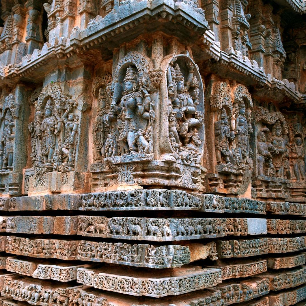Hindoe, jain en moslim bouw- en beeldhouwkunst vanaf 1200