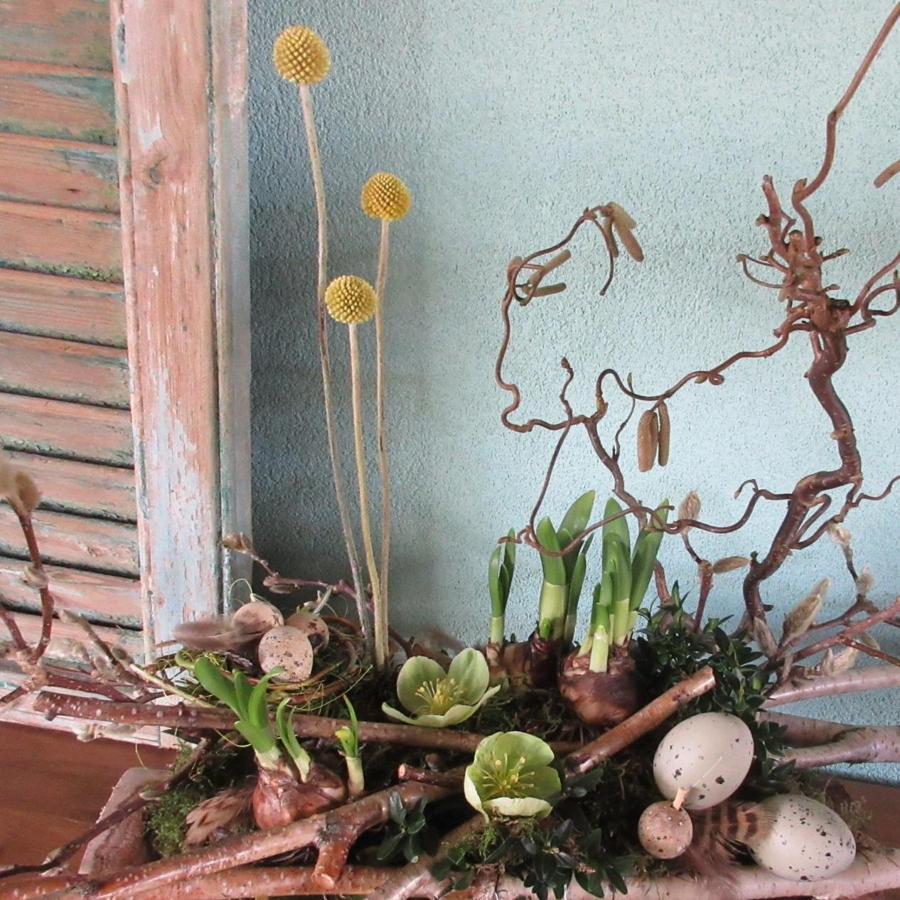 Haal het voorjaar in huis met dit riante bloemstuk